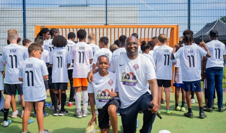 Xavi (12) organiseert een eigen voetbaltoernooi